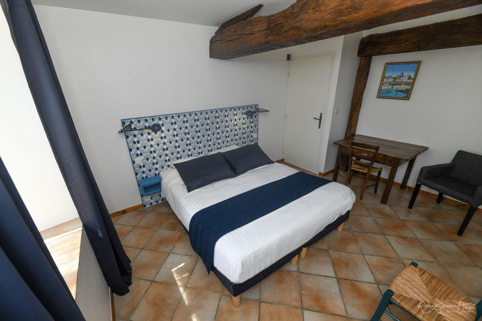 Chambre d'hotes 2 personnes en Vendée avec piscine pêche et salle